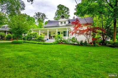 Bergen County Single Family Home For Sale: 426 Sylvan Place
