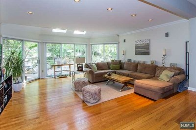 Tenafly Single Family Home For Sale: 60 Park Street