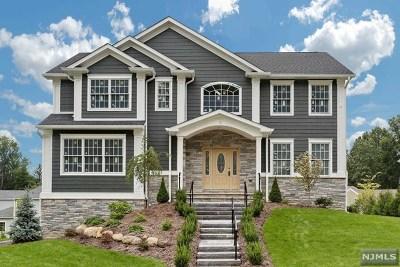 Bergen County Single Family Home For Sale: 10 Flintlock Road