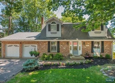West Milford Single Family Home For Sale: 335 High Crest Drive