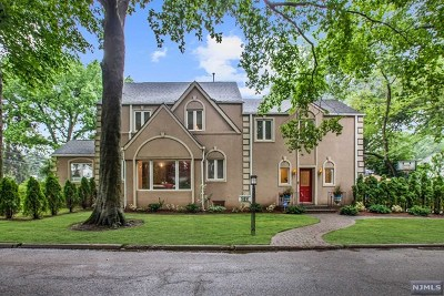 Teaneck Single Family Home For Sale: 564 South Forest Drive