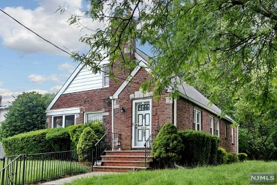 Ridgefield Single Family Home For Sale: 899 Banta Place