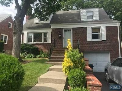 Teaneck Single Family Home For Sale: 125 Sherman Avenue