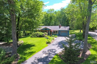 West Milford Single Family Home For Sale: 1860 Macopin Road