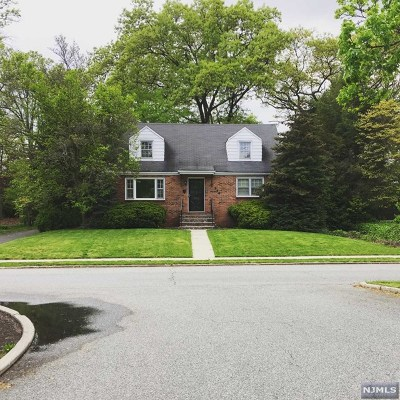 Fair Lawn Single Family Home For Sale: 354 Plaza Road