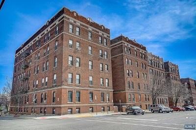 North Bergen Condo/Townhouse For Sale: 7612 Park Avenue #A3