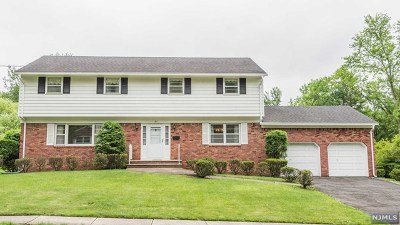 Oradell Single Family Home For Sale: 61 Beechwood Road