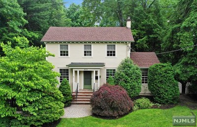 Ridgewood Single Family Home For Sale: 430 Hawthorne Place