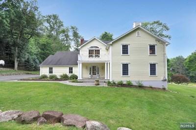 Upper Saddle River Single Family Home For Sale: 6 Stevenson Lane