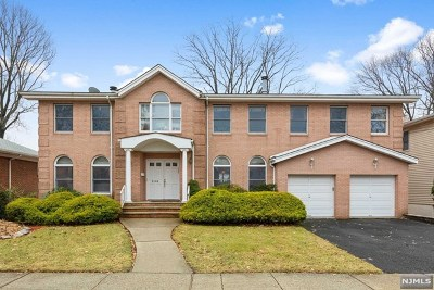 Fort Lee Single Family Home For Sale: 258 McCloud Drive