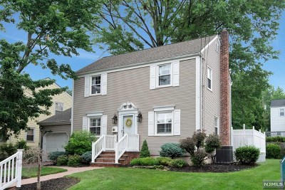 River Edge Single Family Home For Sale: 502 The Fenway