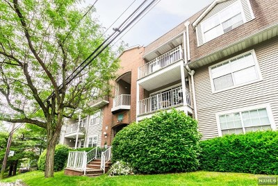 Edgewater Condo/Townhouse For Sale: 18 Garden Place #242