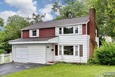 Waldwick Single Family Home For Sale: 51 Campbell Street
