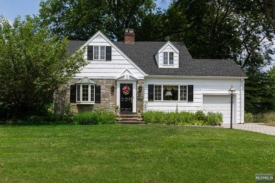 Oradell Single Family Home For Sale: 394 Bergen Boulevard