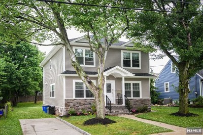 Saddle Brook Single Family Home For Sale: 31 Macarthur Drive