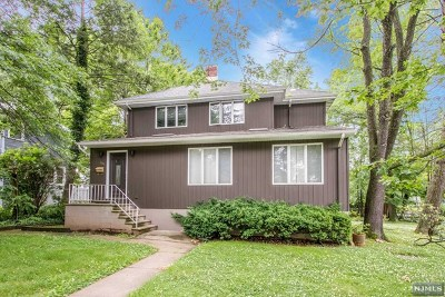 Teaneck Single Family Home For Sale: 261 West Englewood Avenue