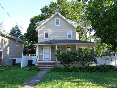 Bergenfield Single Family Home For Sale: 228 Hickory Avenue
