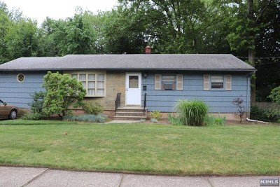 River Edge Single Family Home For Sale: 175 Valley Road