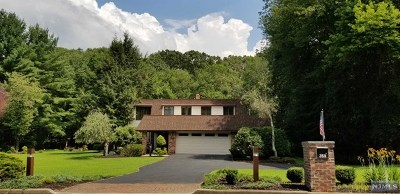 Franklin Lakes Single Family Home For Sale: 359 Hillview Terrace