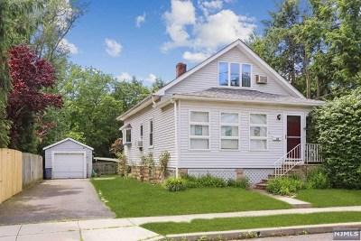 Waldwick Single Family Home For Sale: 52 Wanamaker Avenue
