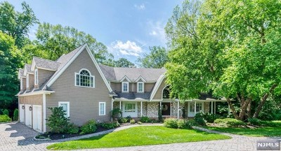 Mahwah NJ Single Family Home For Sale: $1,089,000