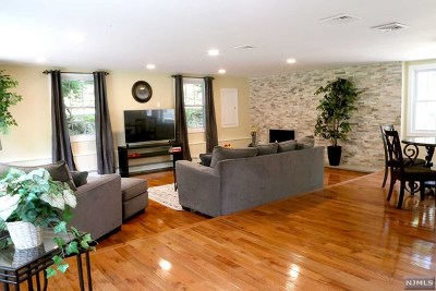 Mahwah Single Family Home For Sale: 316 Forest Road