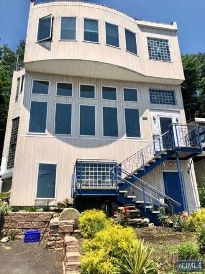 Morris County Single Family Home For Sale: 73 South Lakeside Avenue