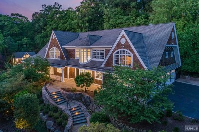 Saddle River Single Family Home For Sale: 34 East Saddle River Road