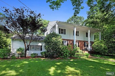 Ridgewood Single Family Home For Sale: 687 Howard Road
