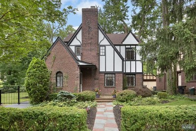 Englewood Single Family Home For Sale: 330 Windsor Road