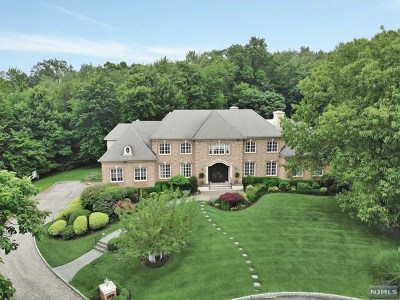 Franklin Lakes Single Family Home For Sale: 774 Jenny Trail