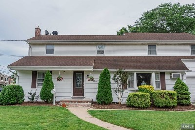 Fair Lawn Single Family Home For Sale: 32-08 Heywood Avenue