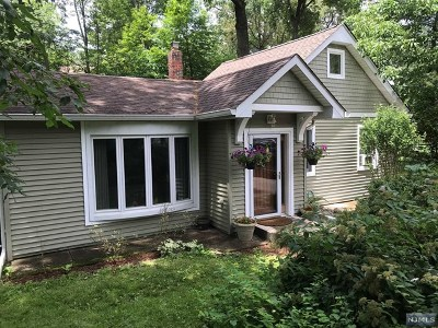 Ringwood Single Family Home For Sale: 28 Voorhis Place