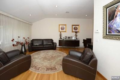 Fair Lawn Single Family Home For Sale: 39-01 Kearns Place