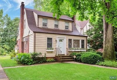 Teaneck Single Family Home For Sale: 1115 Emerson Avenue