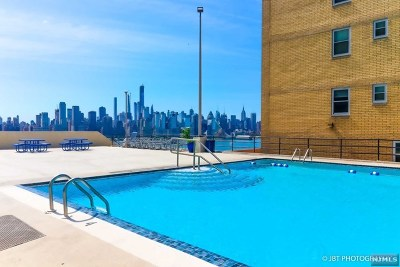 West New York Condo/Townhouse For Sale: 6600 Boulevard East #9k