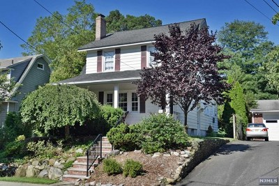 Hawthorne Single Family Home For Sale: 20 Brookside Avenue