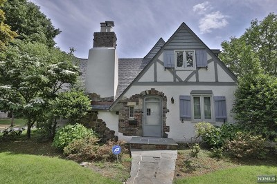Essex County Single Family Home For Sale: 2 Midhurst Road