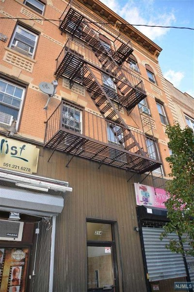 Hudson County Condo/Townhouse For Sale: 214 48th Street #15