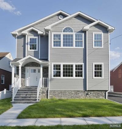 Saddle Brook Single Family Home For Sale: 40 Ackerman Avenue