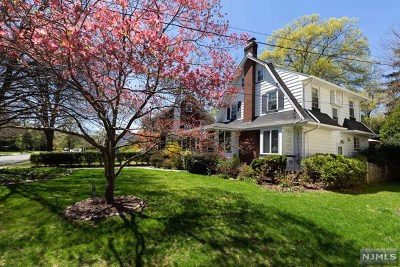 Ridgewood Single Family Home For Sale: 242 North Walnut Street