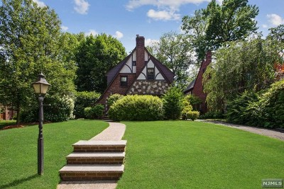 Teaneck Single Family Home For Sale: 348 Winthrop Road
