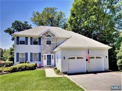 Mahwah Single Family Home For Sale: 64 Wagon Trail