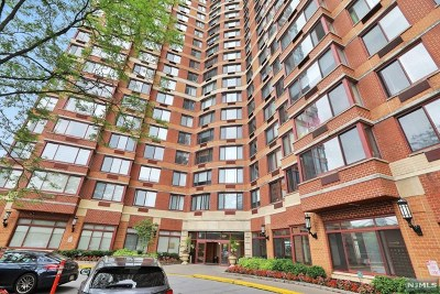 Fort Lee Condo/Townhouse For Sale: 100 Old Palisade Road #1502