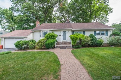 Emerson Single Family Home For Sale: 146 Colonial Road