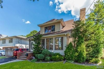 Teaneck Single Family Home For Sale: 237 Elm Avenue