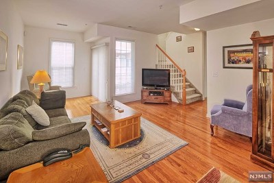Hudson County Condo/Townhouse For Sale: 201 Dey Street #165