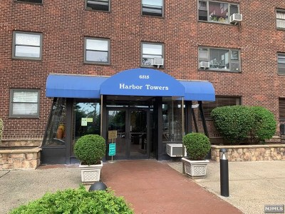 West New York Condo/Townhouse For Sale: 6515 Boulevard East #8b