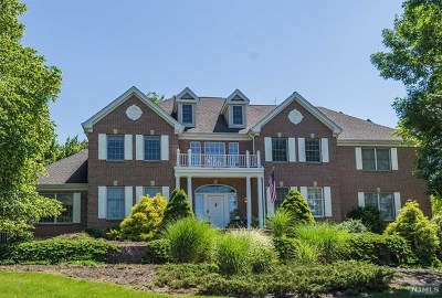 Passaic County Single Family Home For Sale: 3 Bayberry Lane