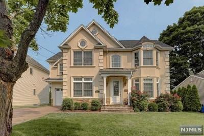 Fair Lawn Single Family Home For Sale: 31-01 Heywood Avenue